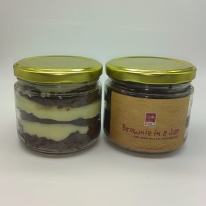 Brownie In a Jar (White Chocolate & Eggless)